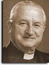 衛甘諾神父
